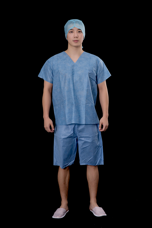 Short scrub suit